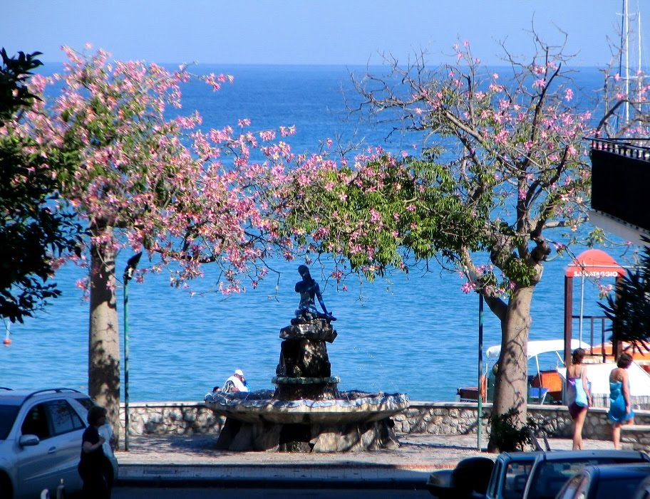giardini naxos video)